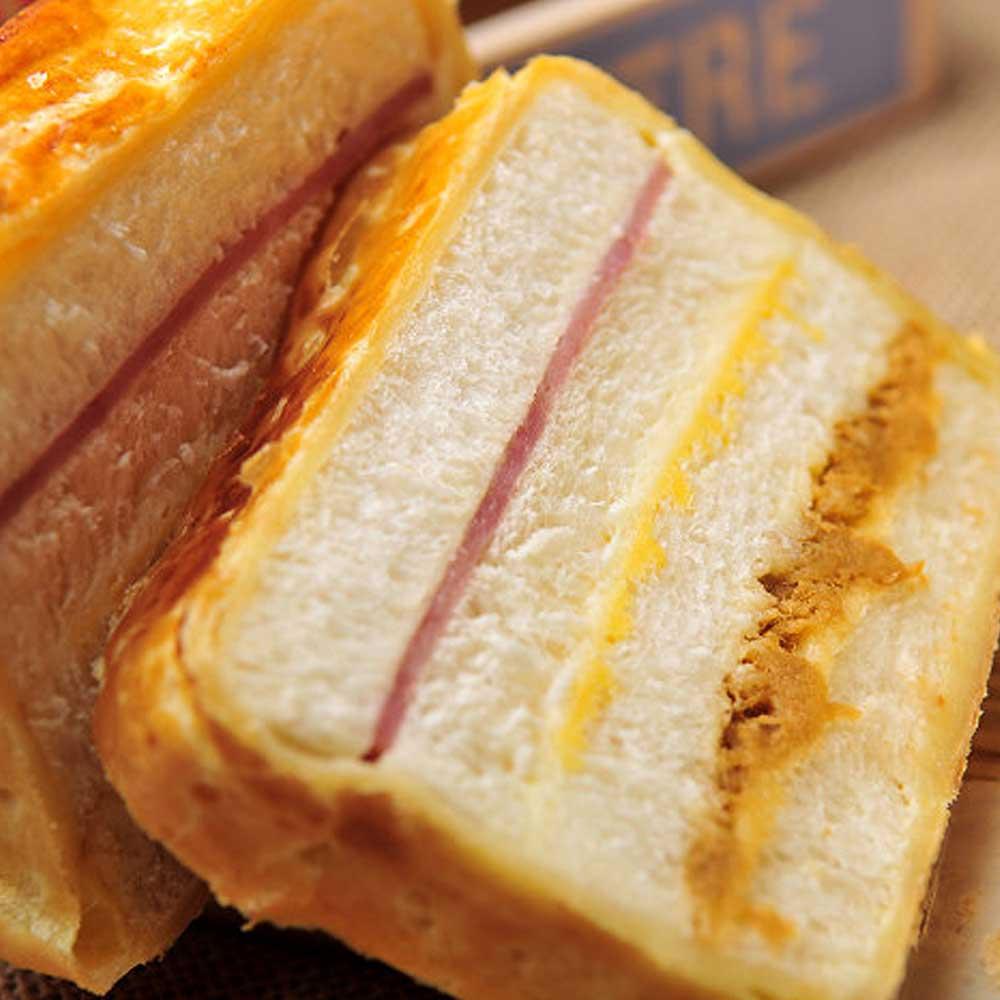 招牌肉鬆起酥火腿三明治